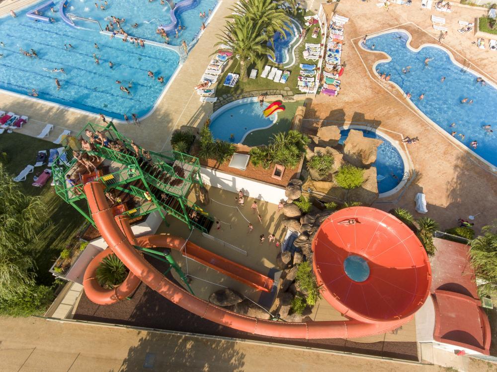 unsere 8m hohe super-Wasserrutsche