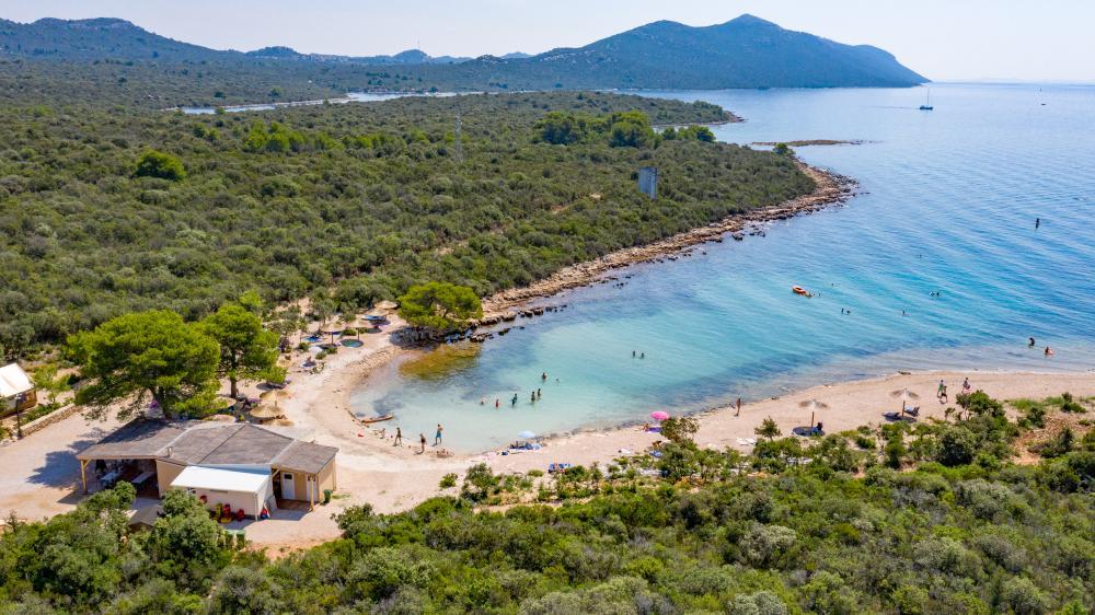 beach restaurant panorama