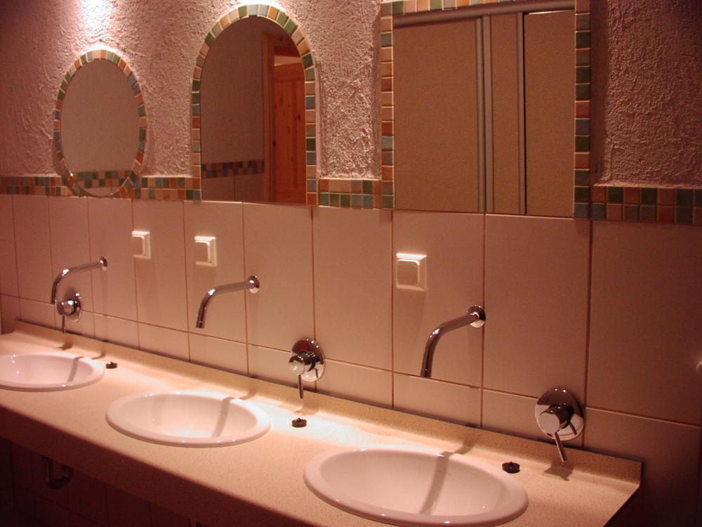 Waschbecken in den DUschräumen