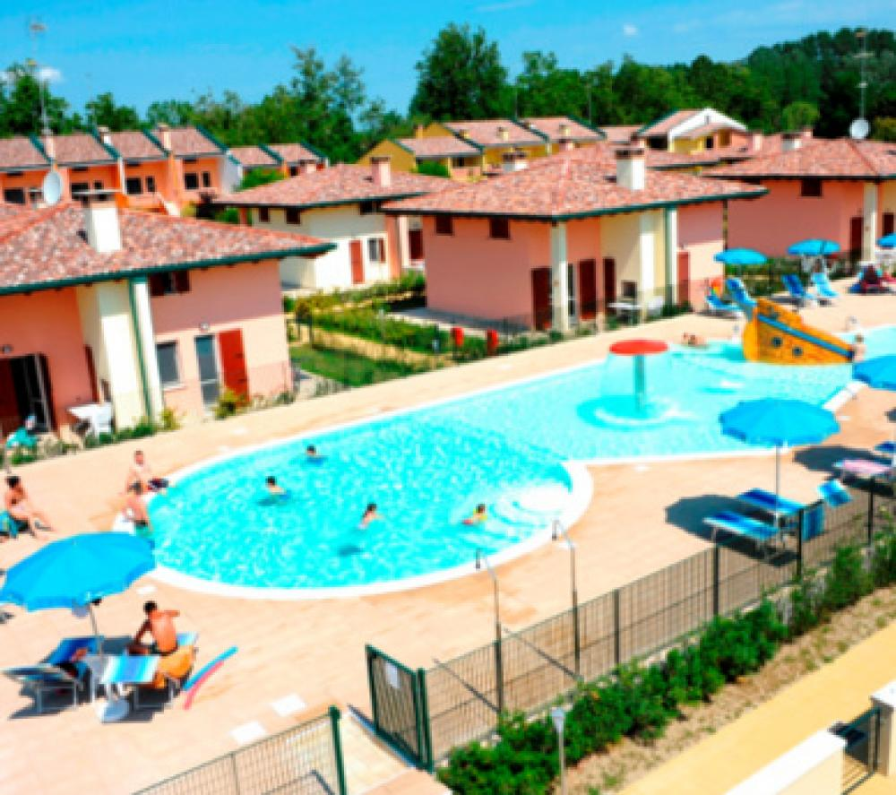AIRONE BIANCO RESIDENCE VILLAGE